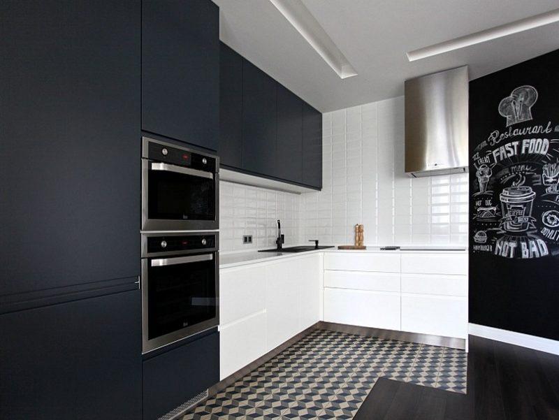 Черно-белая кухня на заказ